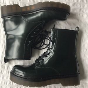 Zara Green Leather 8 Hole Platform Boots 9 / 39